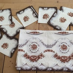 Vintage lace table cloth with matching 8 napkins